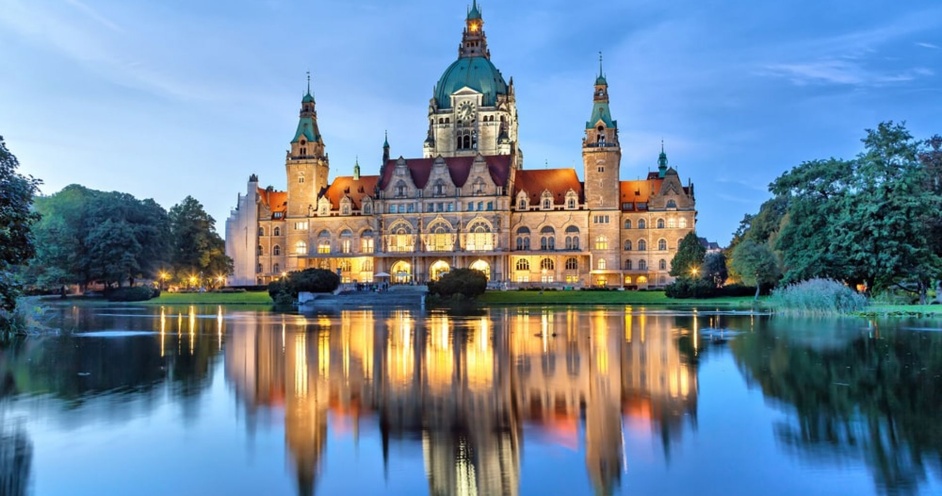 Admire The New Town Hall in Hannover