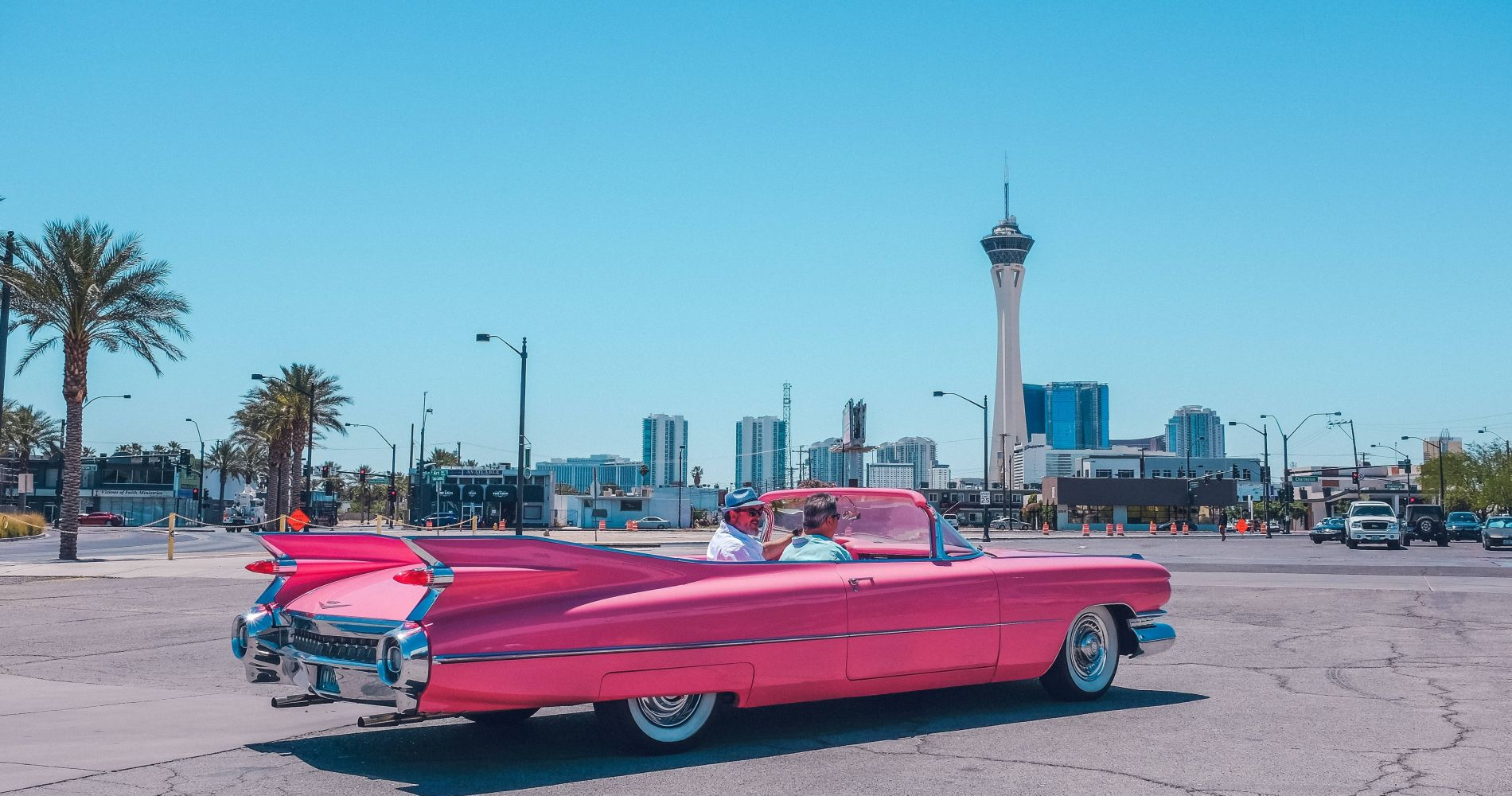 Visit Hollywood Cars Museum & Liberace Garage and other museums of Las Vegas