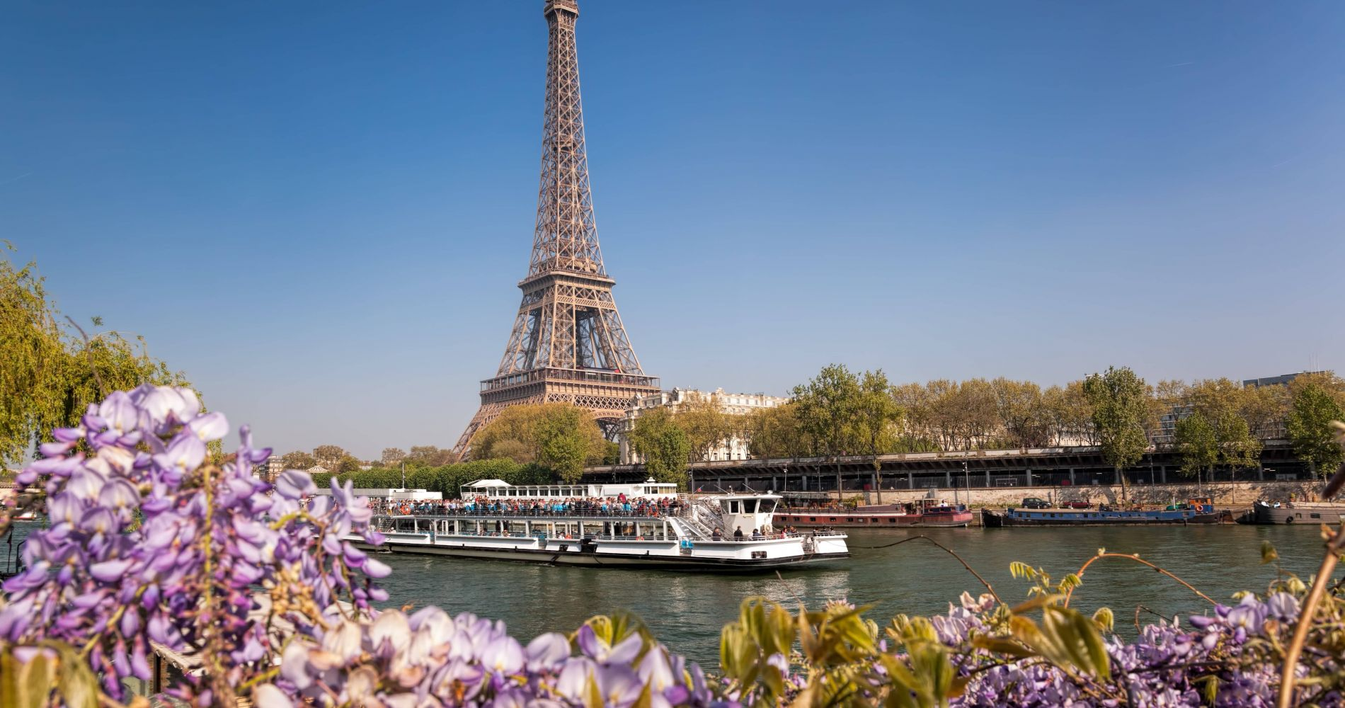 Bateaux Parisiens - Seine River Cruise and other attractions in Paris
