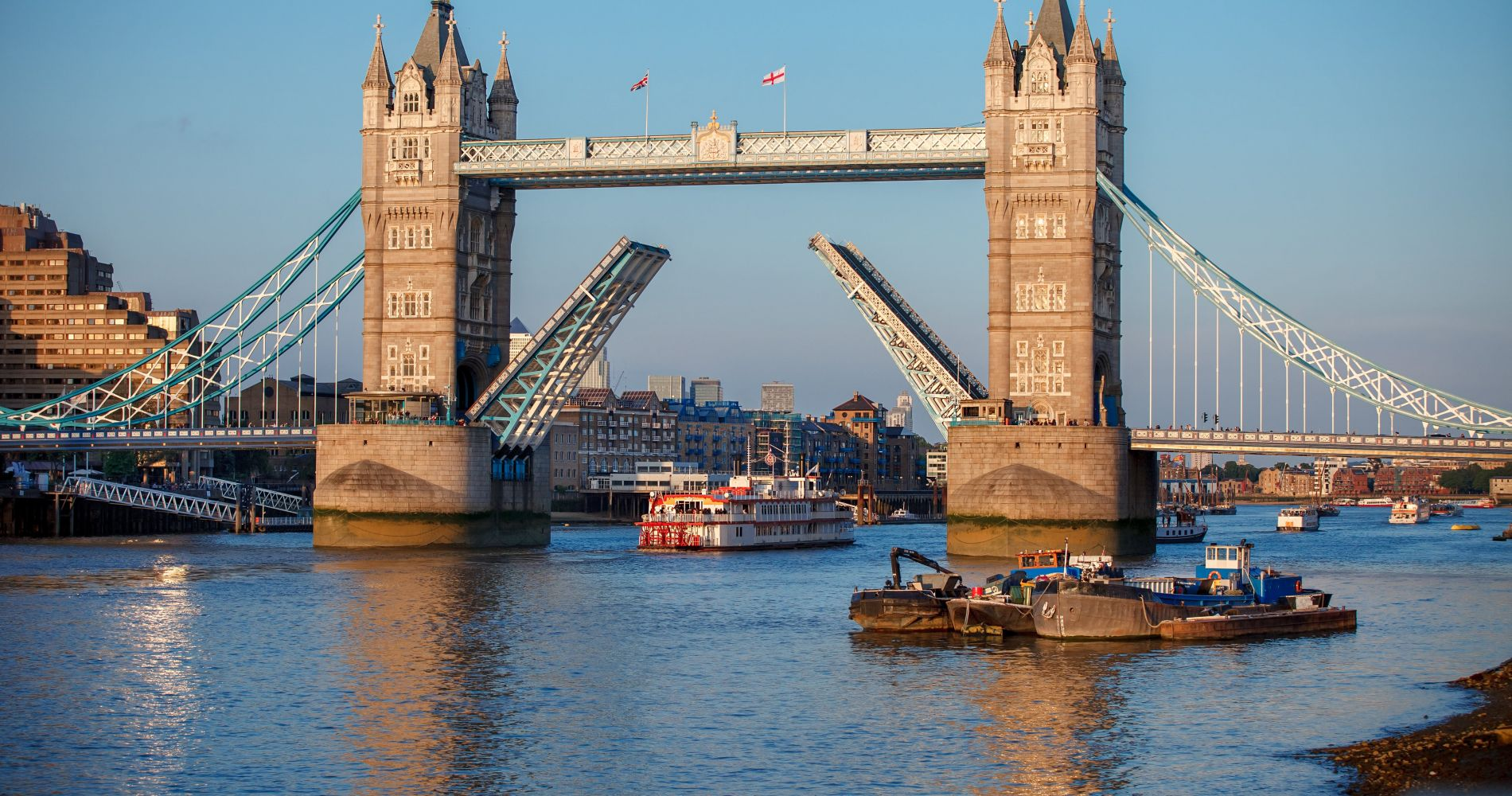 Visit London with City Cruises Thames River Pass