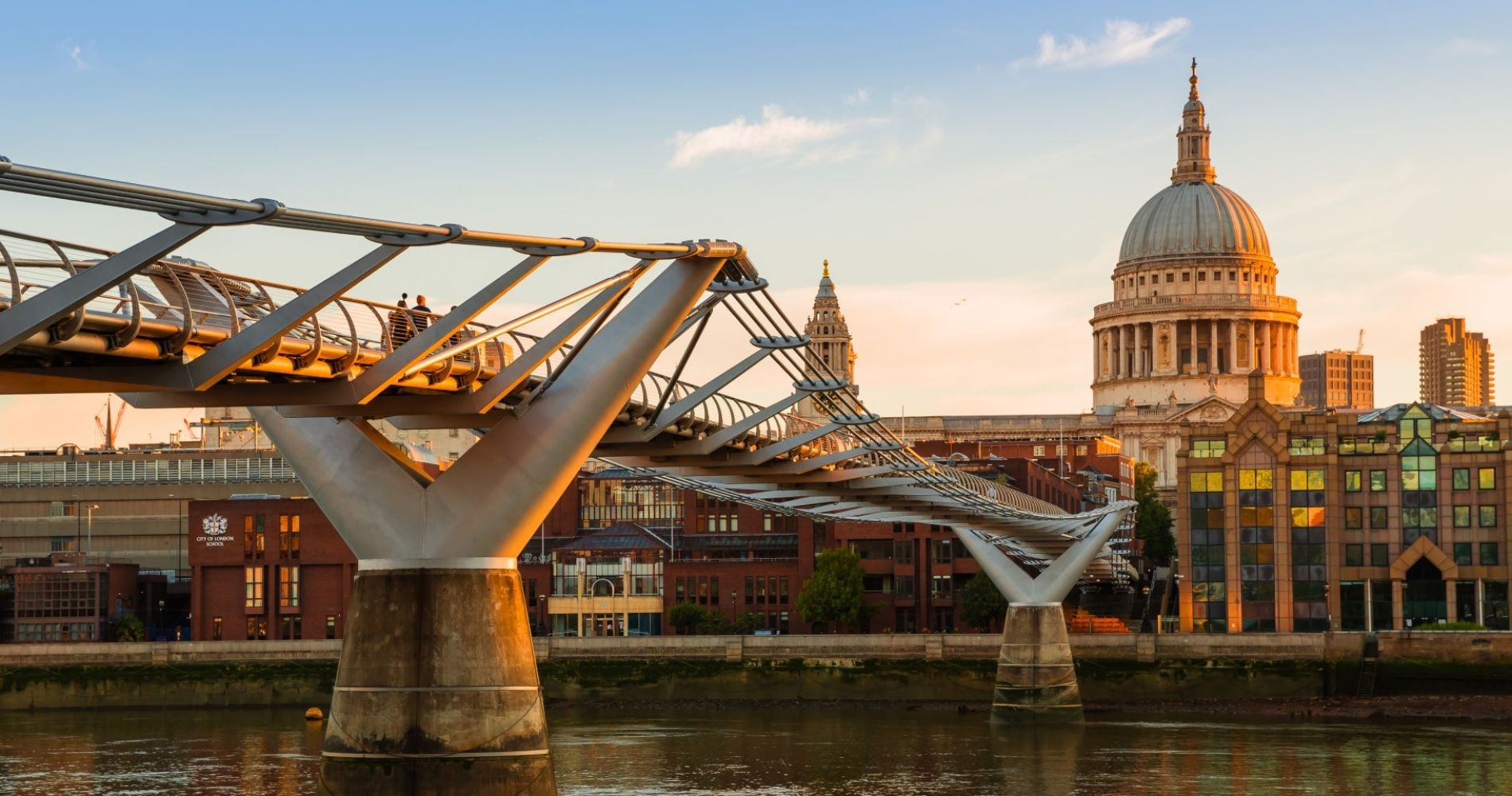 Visit London with St Paul's Cathedral