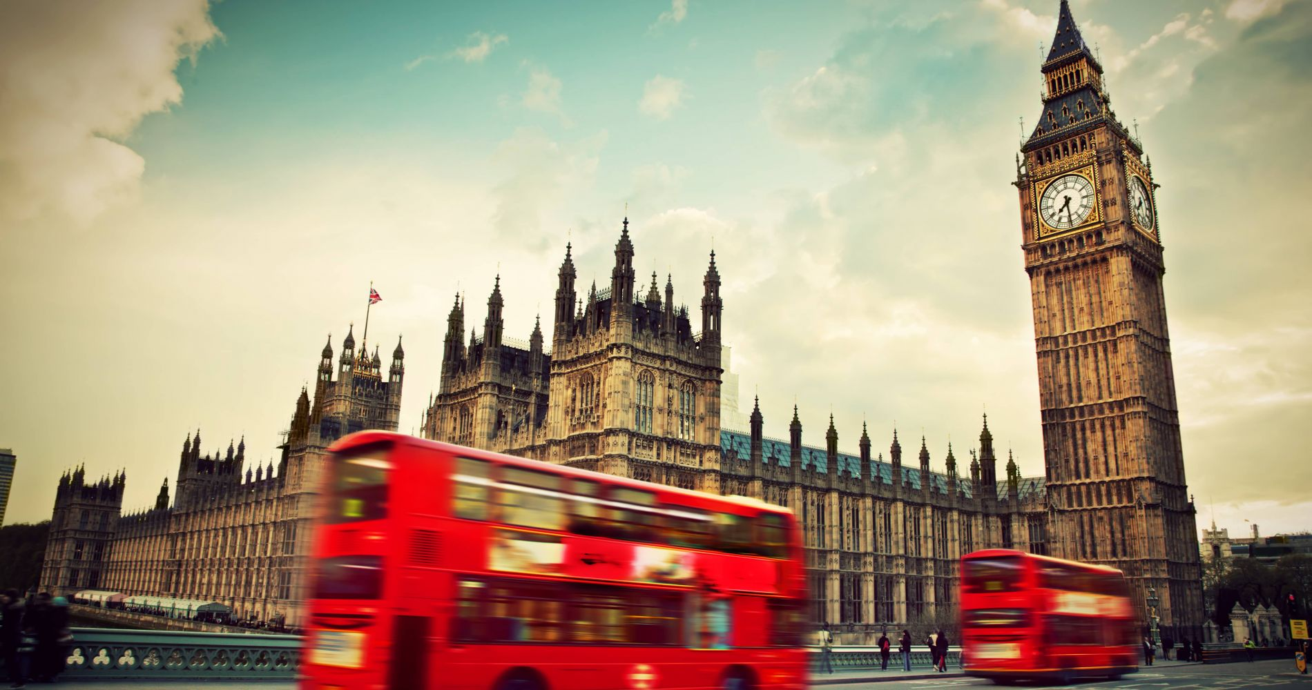 Visit London with 1 Day Hop-On Hop-Off London Bus Tour