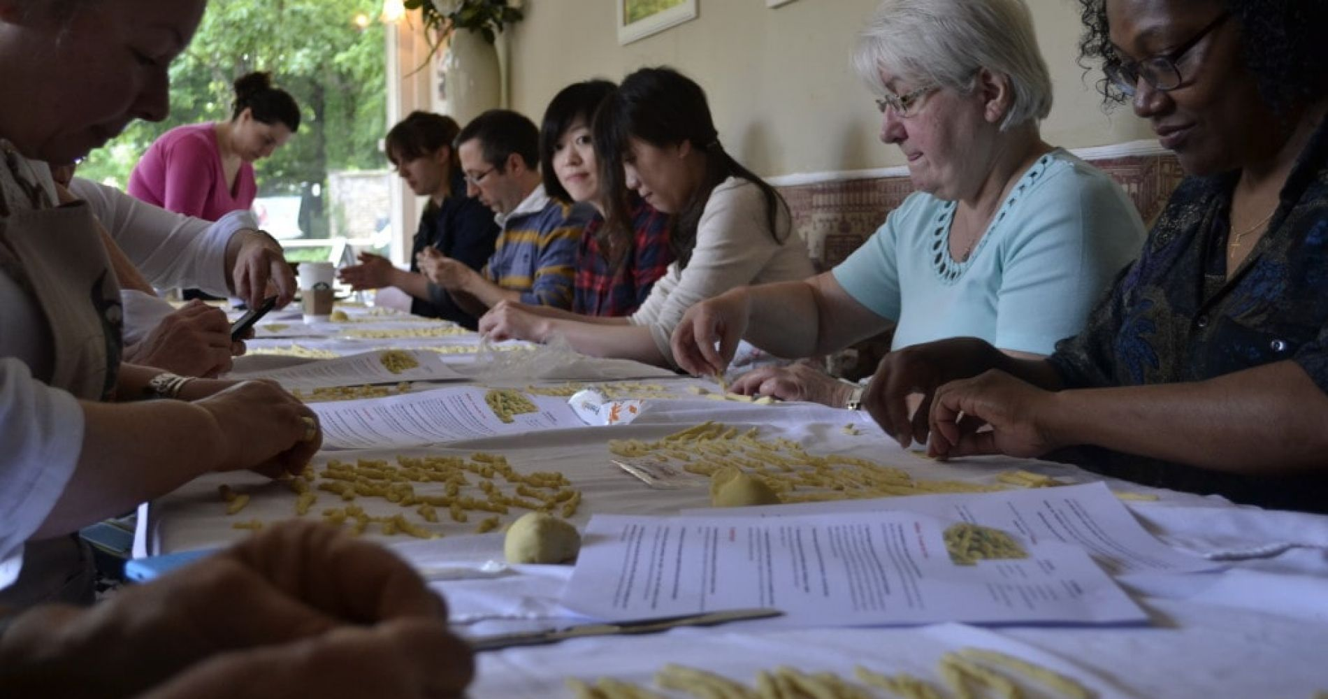 Fresh pasta cooking class and lunch with an expert