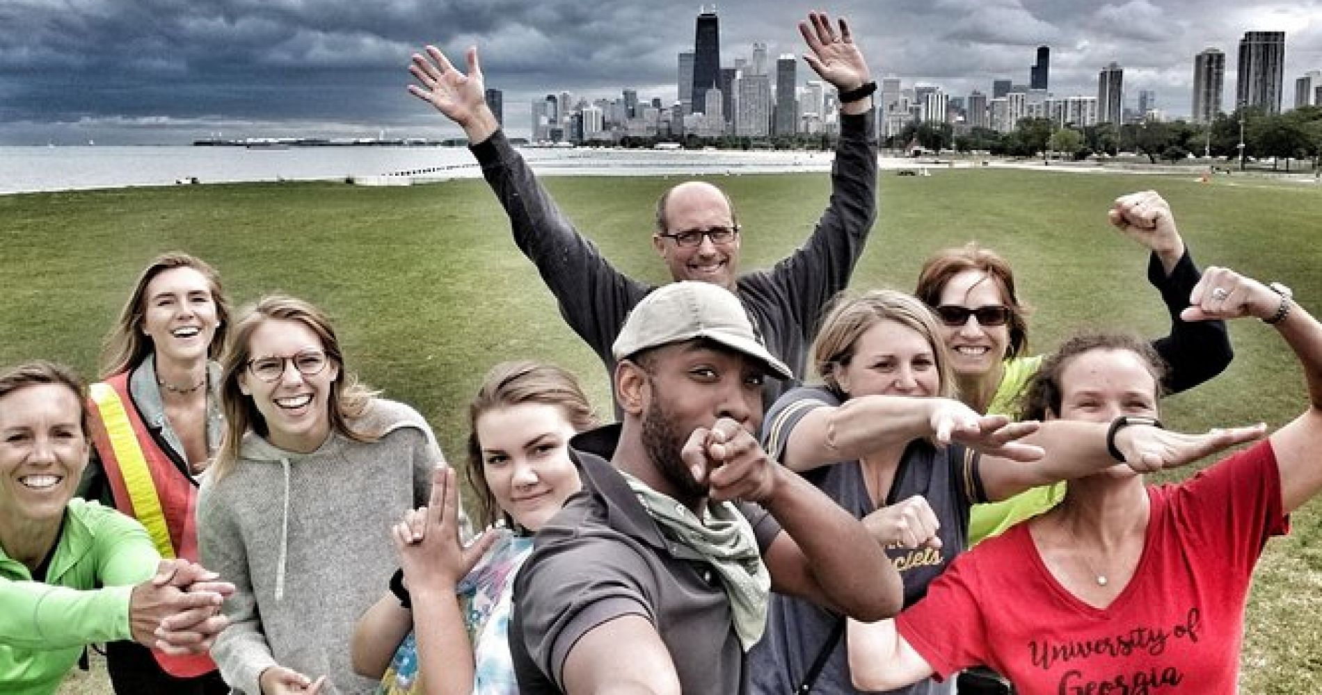 Chicago Food Tour by Bike with Pizza, Beer, Hot Dogs, Cupcakes